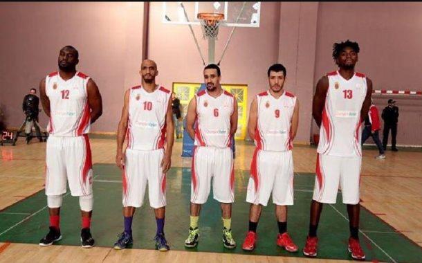 لاعبين من الولايات المتحدة بصفوف الكوكب المراكشي